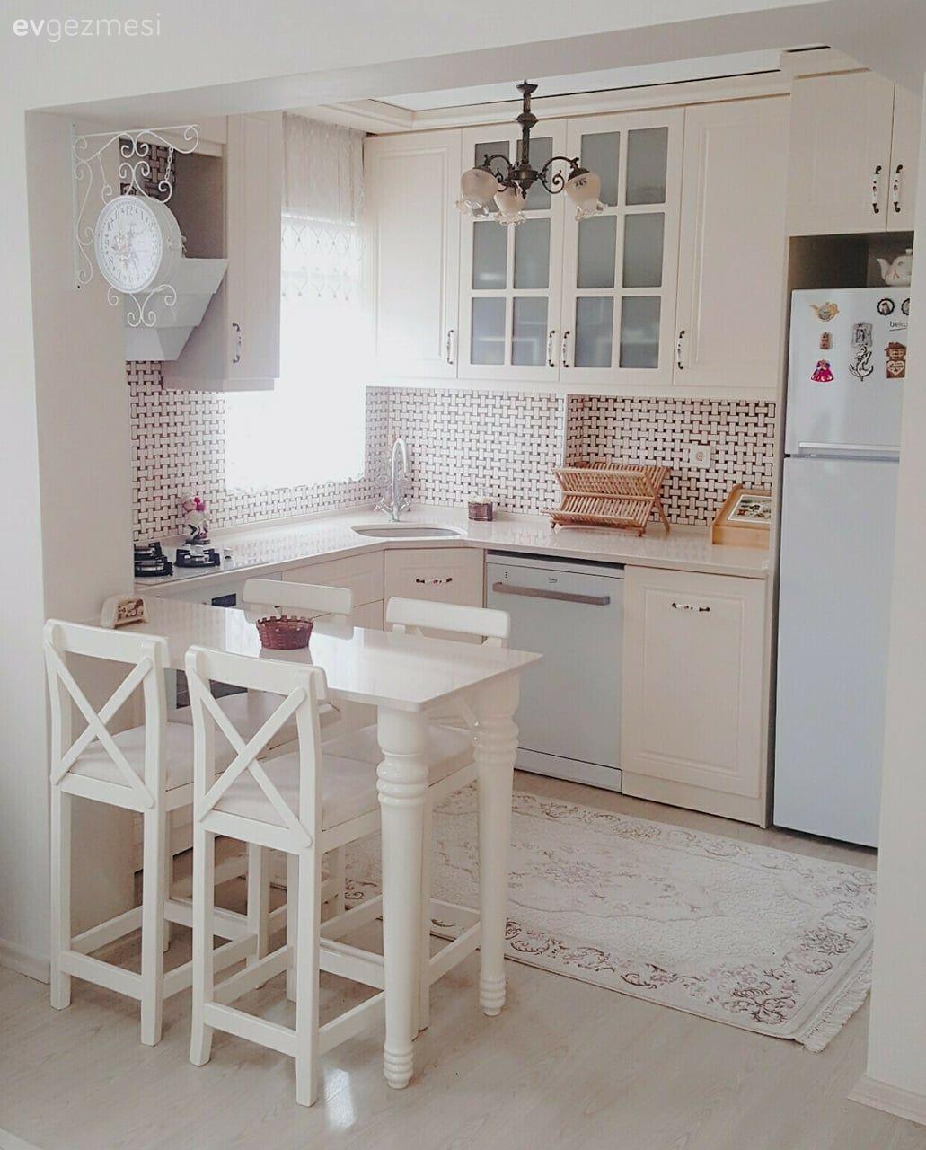 Yumuşak renkler, kullanışlı ve zarif bir mutfak. Hesna hanımın mutfağı.. - 1 | Ev Gezmesi