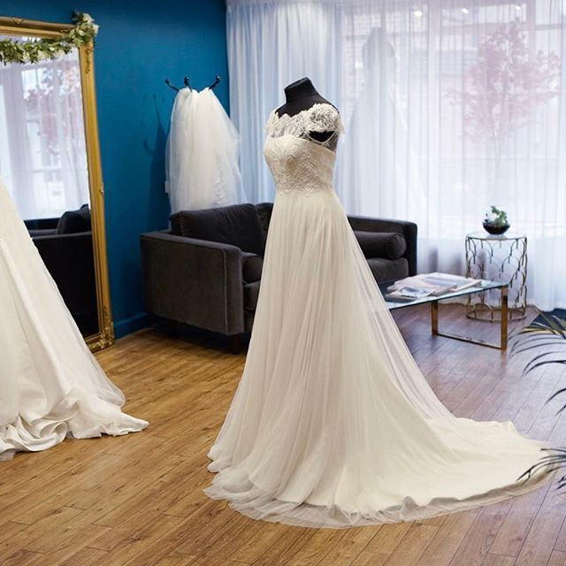 Centre stage for Diana by @raimonbundonovias   TL Bridal Wedding ...