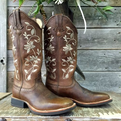 Twisted X Ruff Stock Cowboy boots.  Ladies Twisted X Embroidered Cowboy Boots.