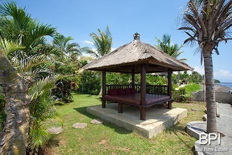Bali Hut For The Garden In Summer