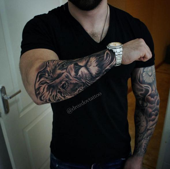 Photo of Tattoo by @drozdovtattoo