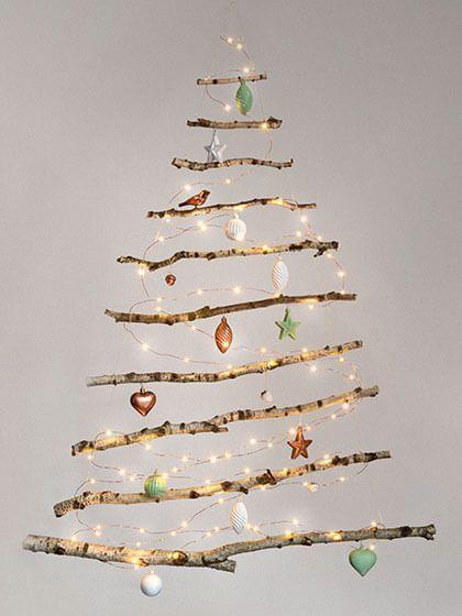 weihnachtsbaum f r die wand aus zweigen moderne. Black Bedroom Furniture Sets. Home Design Ideas