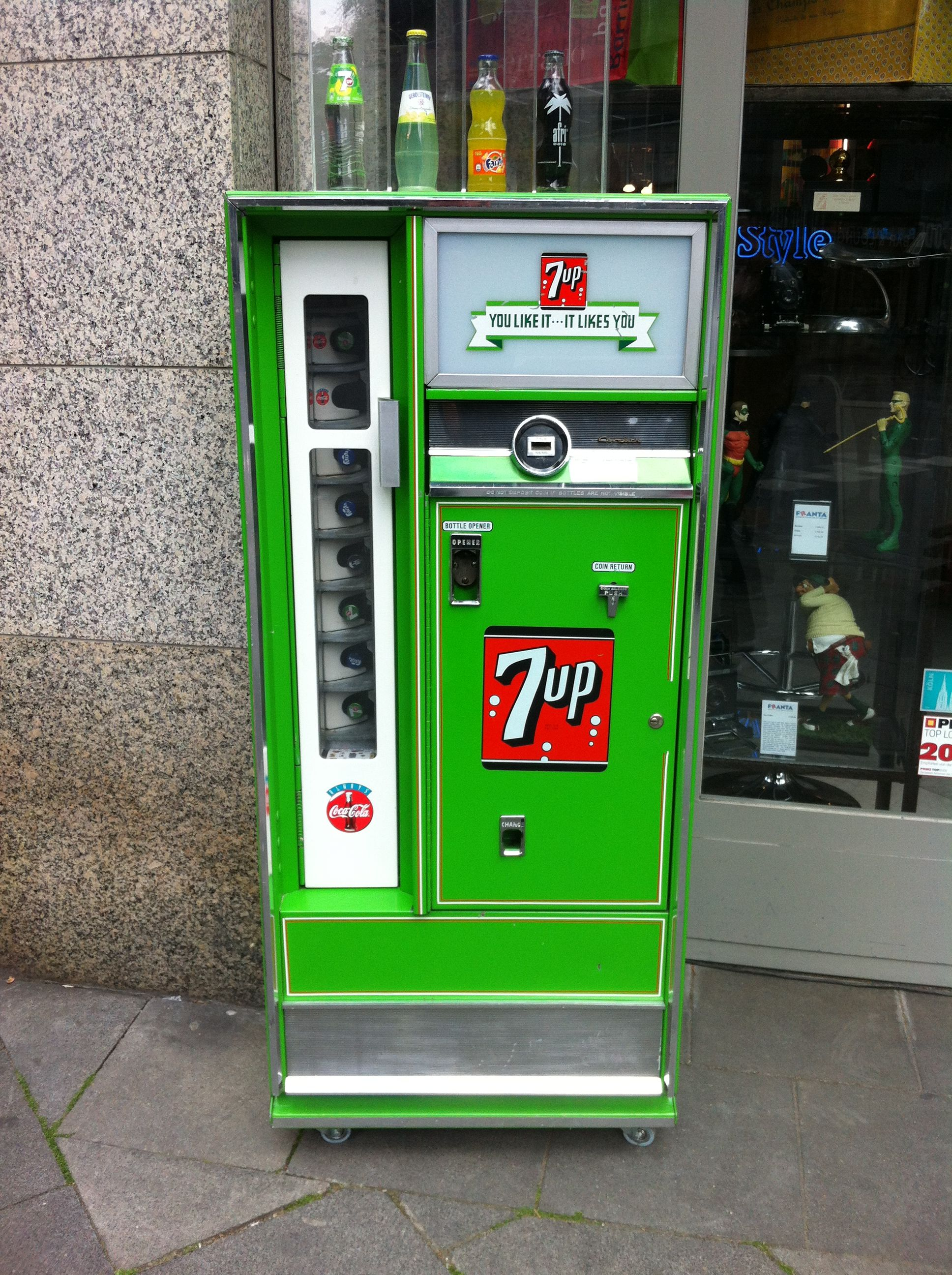 Retro Getränke-Automat | FUN - Automaten-Kultur | Pinterest