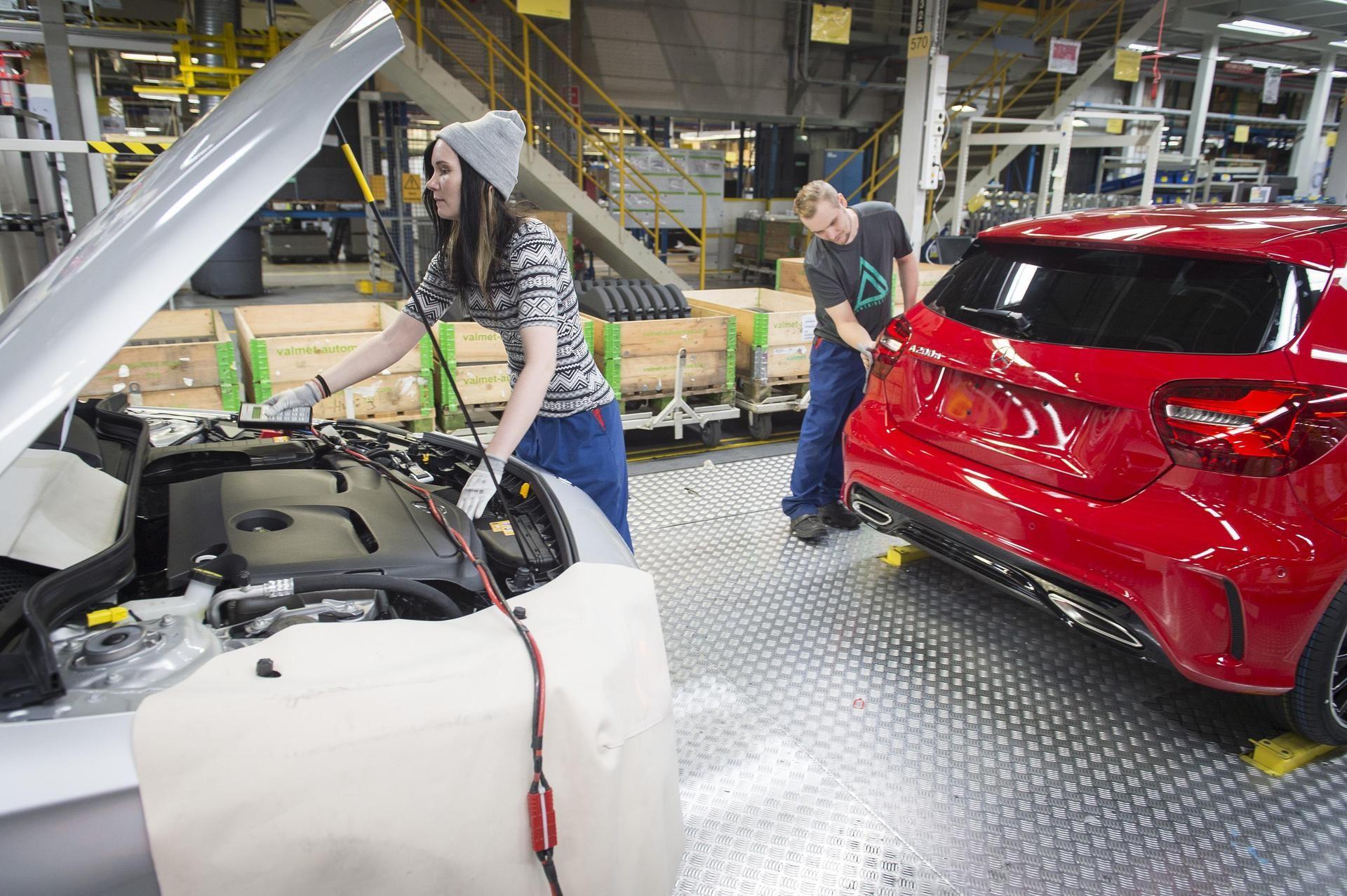 Uudenkaupungin autotehdas on puskenut valmiita autoja tänä vuonna keskimäärin noin tuhat viikossa, enemmän kuin milloinkaan aikaisemmin.