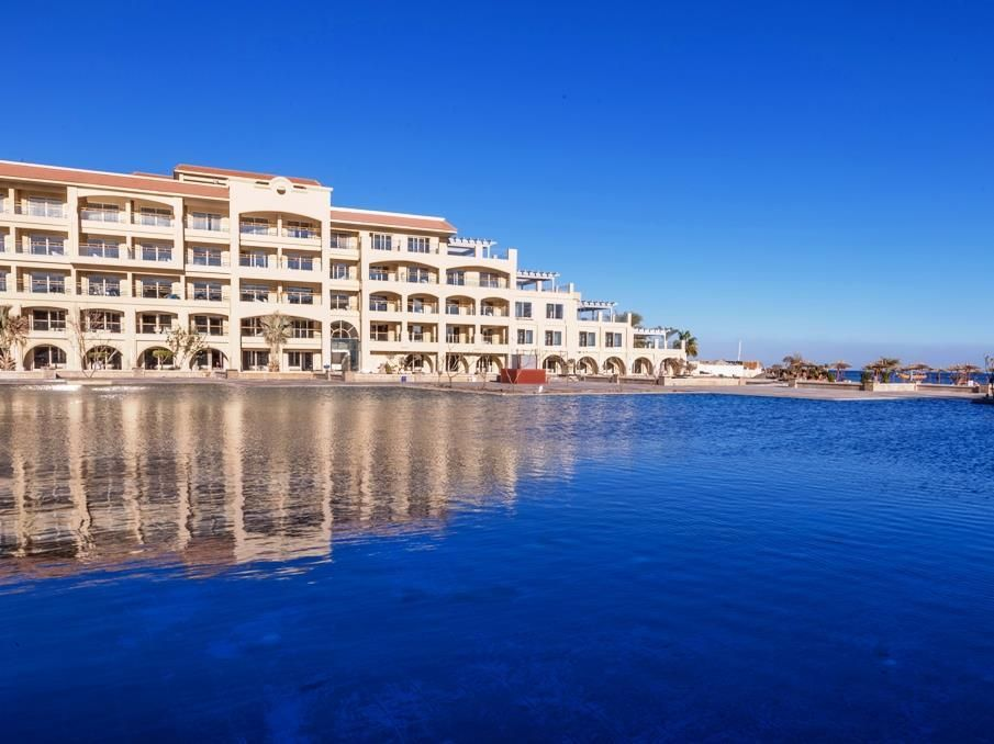 Hurghada Albatros White Beach Resort Egypt Africa The 5 Star Albatros White Beach Resort Offers Comfort And Convenience Whether You Re On Business Or Holiday I