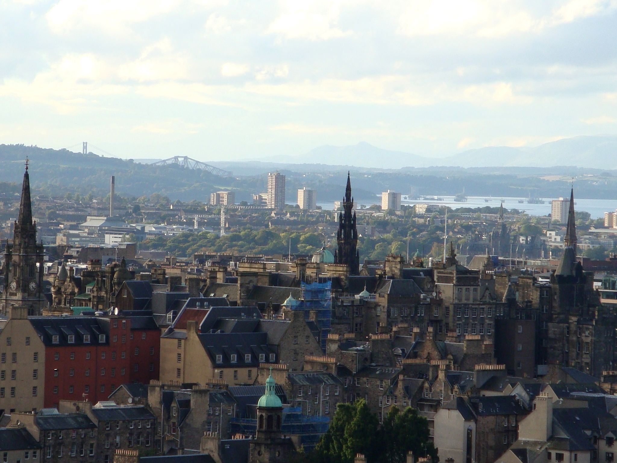 Pin By Anatolij Rogozin On Edinburgh Edinburgh Paris Skyline