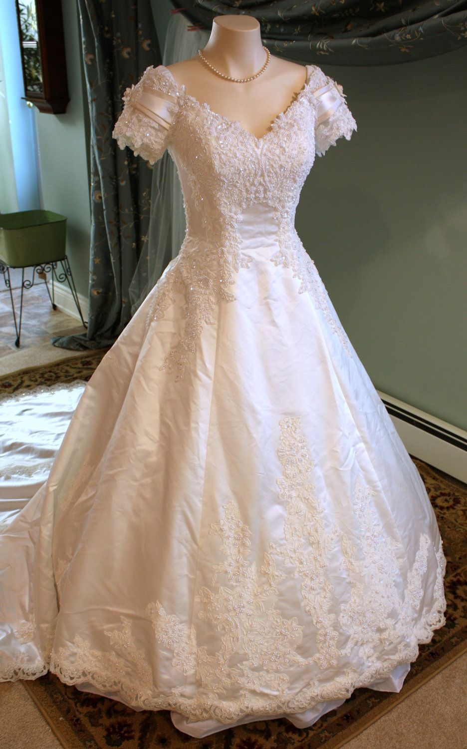 Size 8 wedding dress  SALE  Spectacular Off White Satin and Lace Vintage Wedding Gown