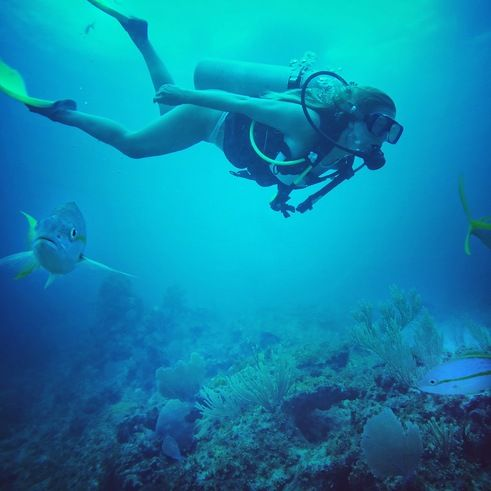 Gopro Tips For The Solo Female Traveler Female Travel Learn To Scuba Dive Travel