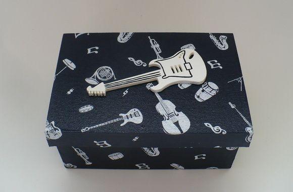Caixa mdf revestida com tecido 100% algodão e acabamento interno em e.v.a.  www.nikiatelier.elo7.com.br