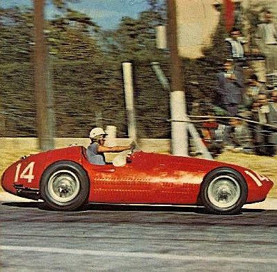 1954 Luigi Musso, Maserati 250F en Pedralbes