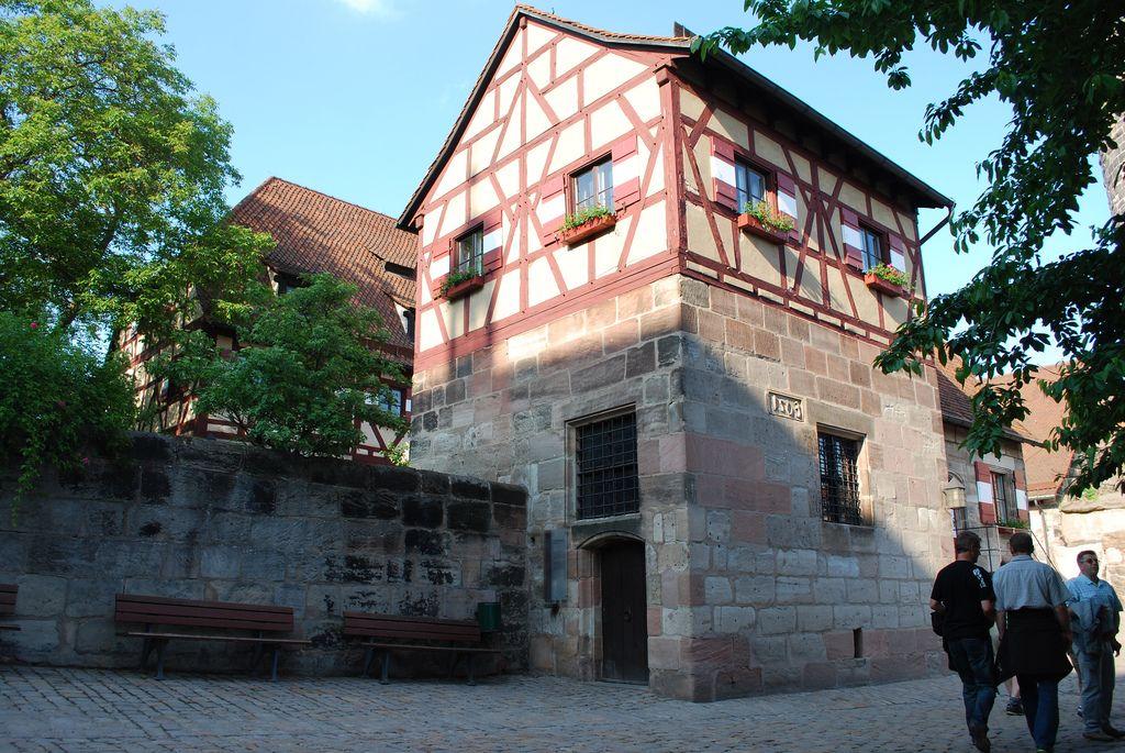 Germany - Nuremberg Half Timbered Building Imperial Castle - plana küchenland nürnberg