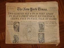 TWO GEMINIS FLY SPACE RONDEZVOUS  12/16 1965 NEW YORK TIMES NEWSPAPER NS 72