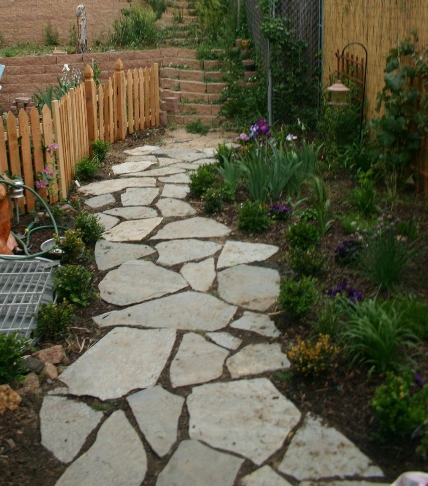 Walkways pinterest gate ideas side yards for Landscaping ideas stone path