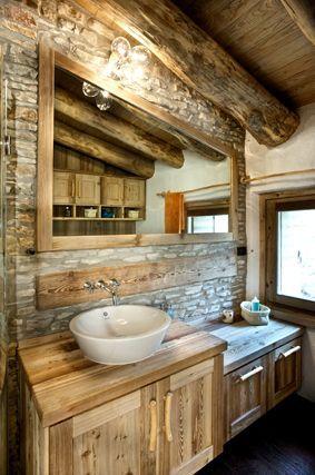 bagni con lavabo in pietra e base legno - Cerca con Google | chalés ...