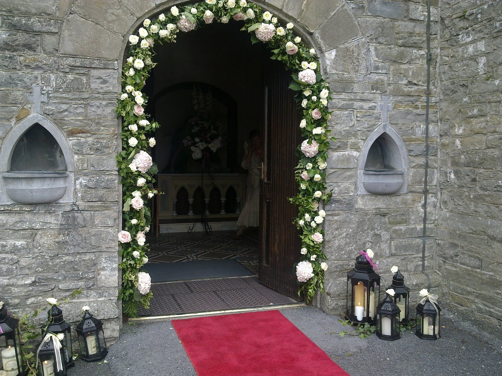 29072011425.jpg (1600×1200) Church wedding decorations