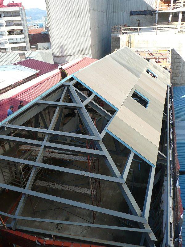Paneles s ndwich thermochip para la rehabilitaci n de una for Tejados de madera thermochip