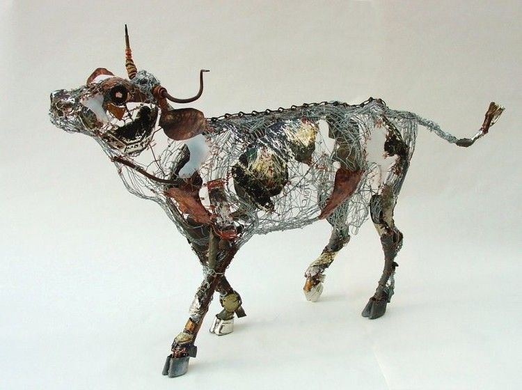 Barbara Franc The Cow With The Crumpled Horn Wire Copper - Artist transforms scrap metal into amazing animal sculptures