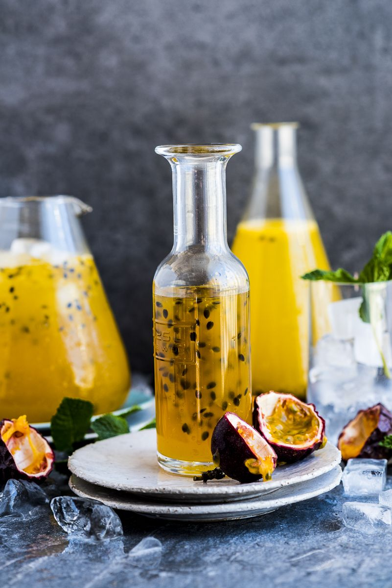 Passion fruit champagne recipe cordial passion and food for Champagne drinks with fruit