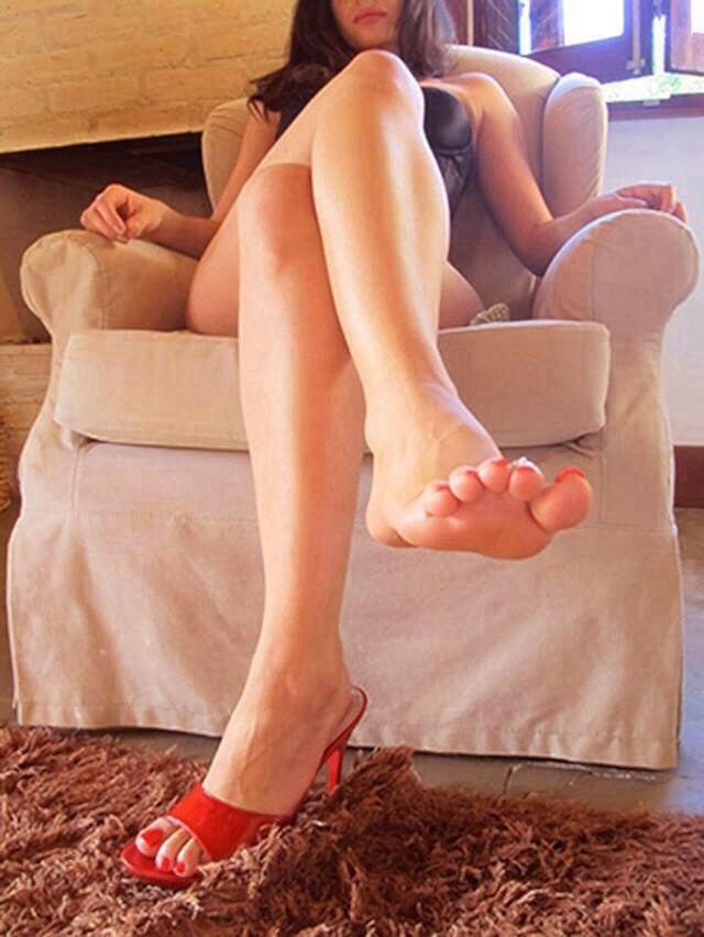Sexy femdom feet