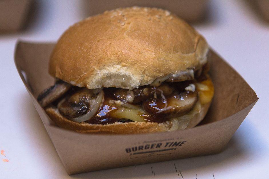 Burger Time nuestras hamburguesas veganas favoritas ahora tienen delivery No se diga más!
