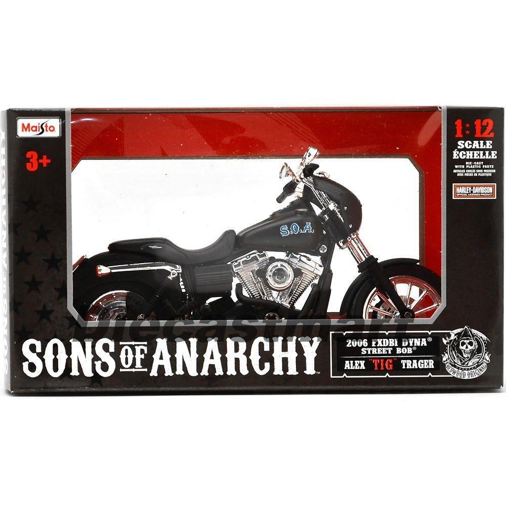 Sons Of Anarchy Alex Tig Trager S 2006 Harley Davidson 1 12 Maisto 32343 Maisto Harleydavidson Sons Of Anarchy Trager Harley Davidson