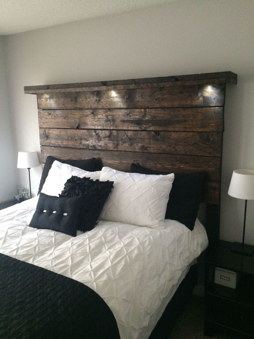 450 Reclaimed Queen Headboard With Pot Lights And Mantle