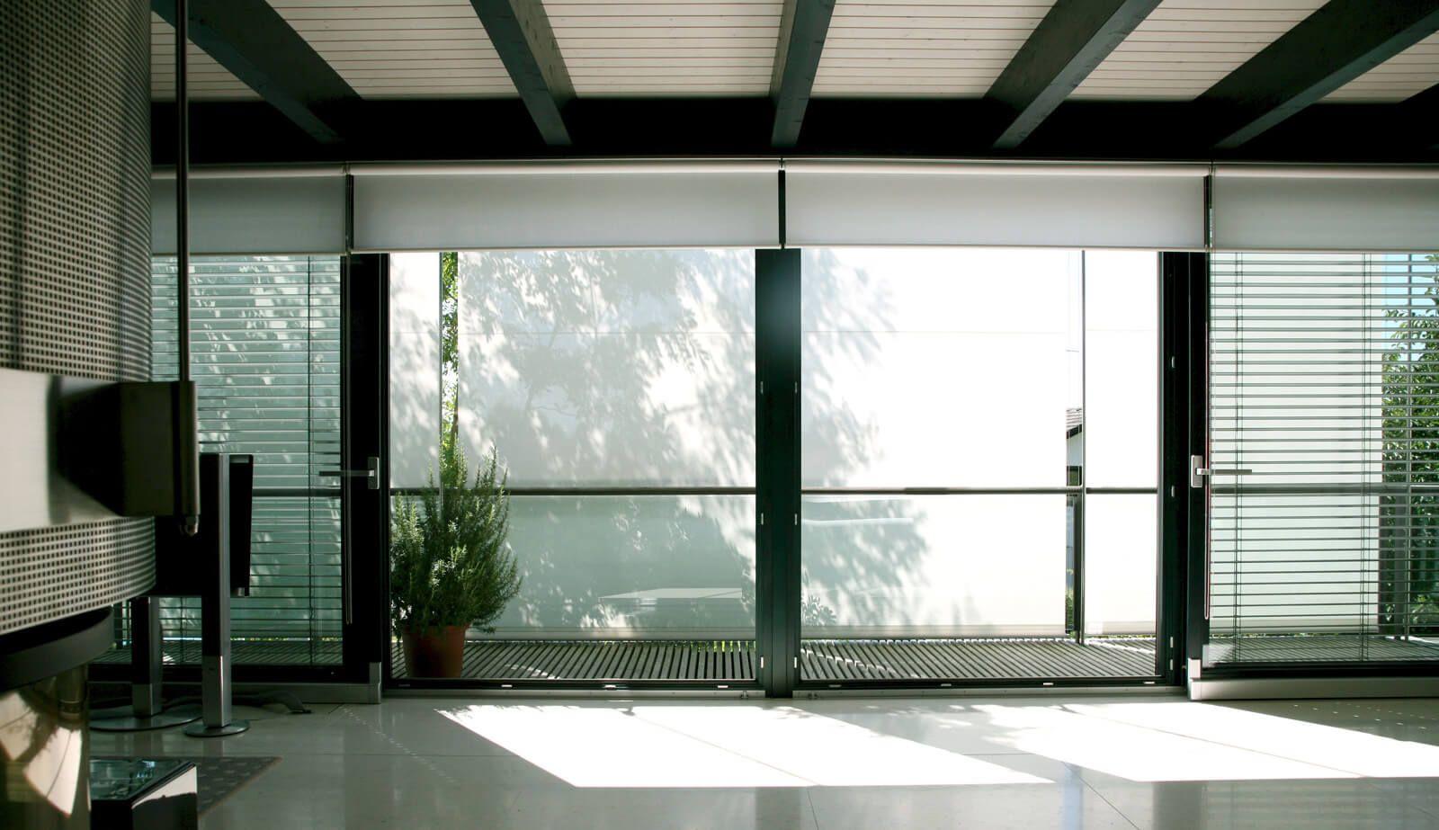 Haus in Hanglage Satteldach-Atelierprojekt mit weitem Alpenpanorama ...