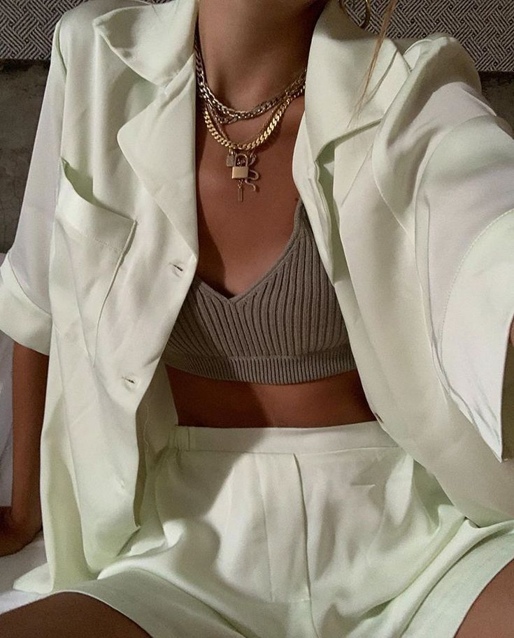 Vera (vera_maida) on Pinterest -Outfits for spring