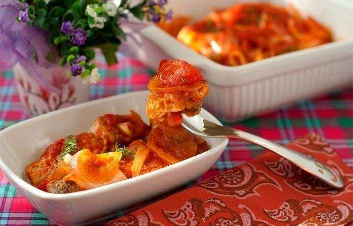 Горбуша, запеченная в духовке под томатным соусом | Рецепт ...