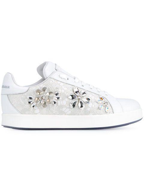 7f45cce0b30a9 Dolce   Gabbana Tênis de renda com aplicação     Shoes em 2019 ...
