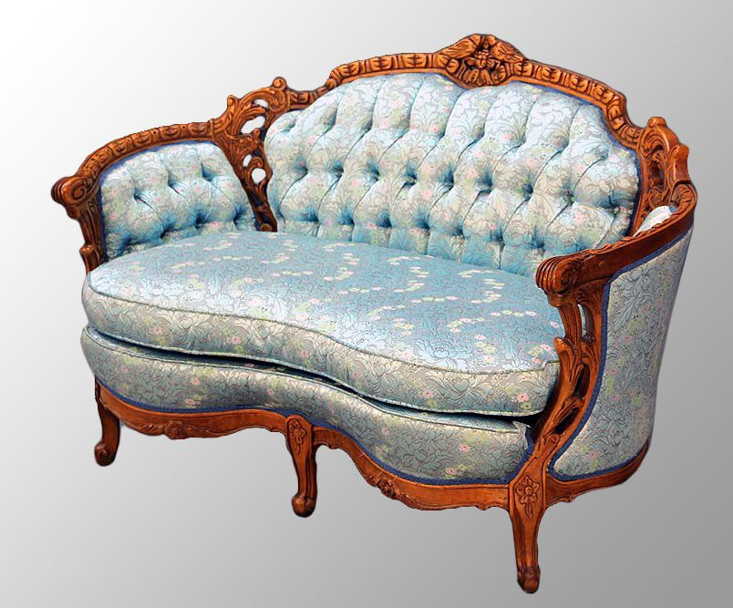 1930s Era Antique Carved Walnut French Victorian Style