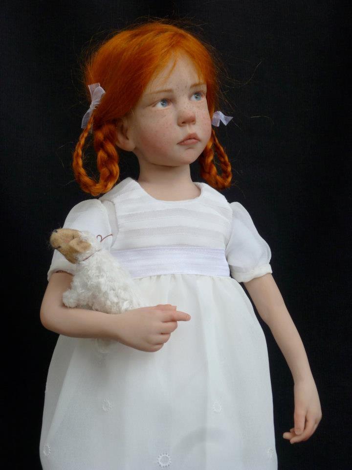 Francesa cria bonecas que assustam de tão realistas