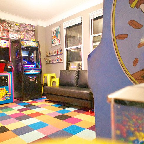 A Guy Turned His Bedroom Into A 1980s Arcade And Lost His Fiancee