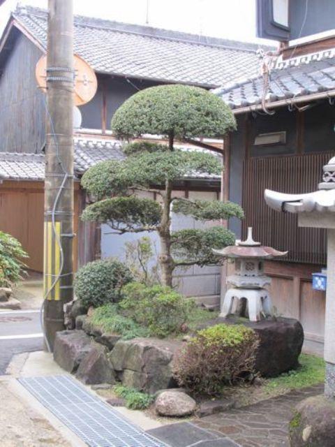 Japanese Garden Decorating Ideas japanese garden decor 18 Relaxing Japanese Inspired Front Yard Dcor Ideas Digsdigs