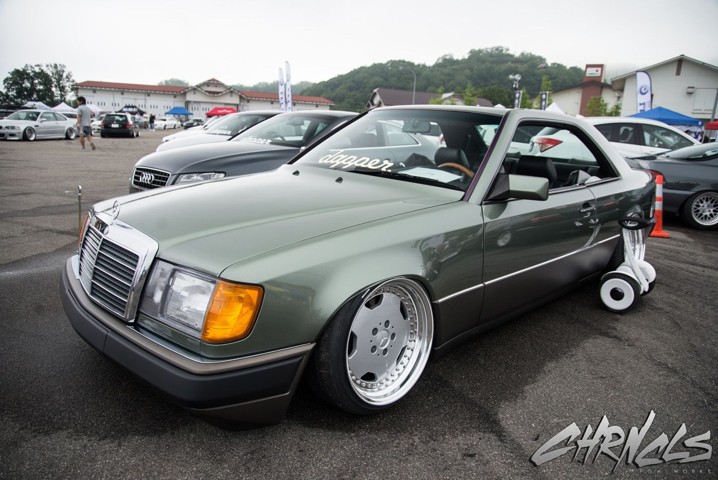 90s mercedes benz w124 coupe bagged on amg wheels automotive pinterest mercedes benz benz. Black Bedroom Furniture Sets. Home Design Ideas