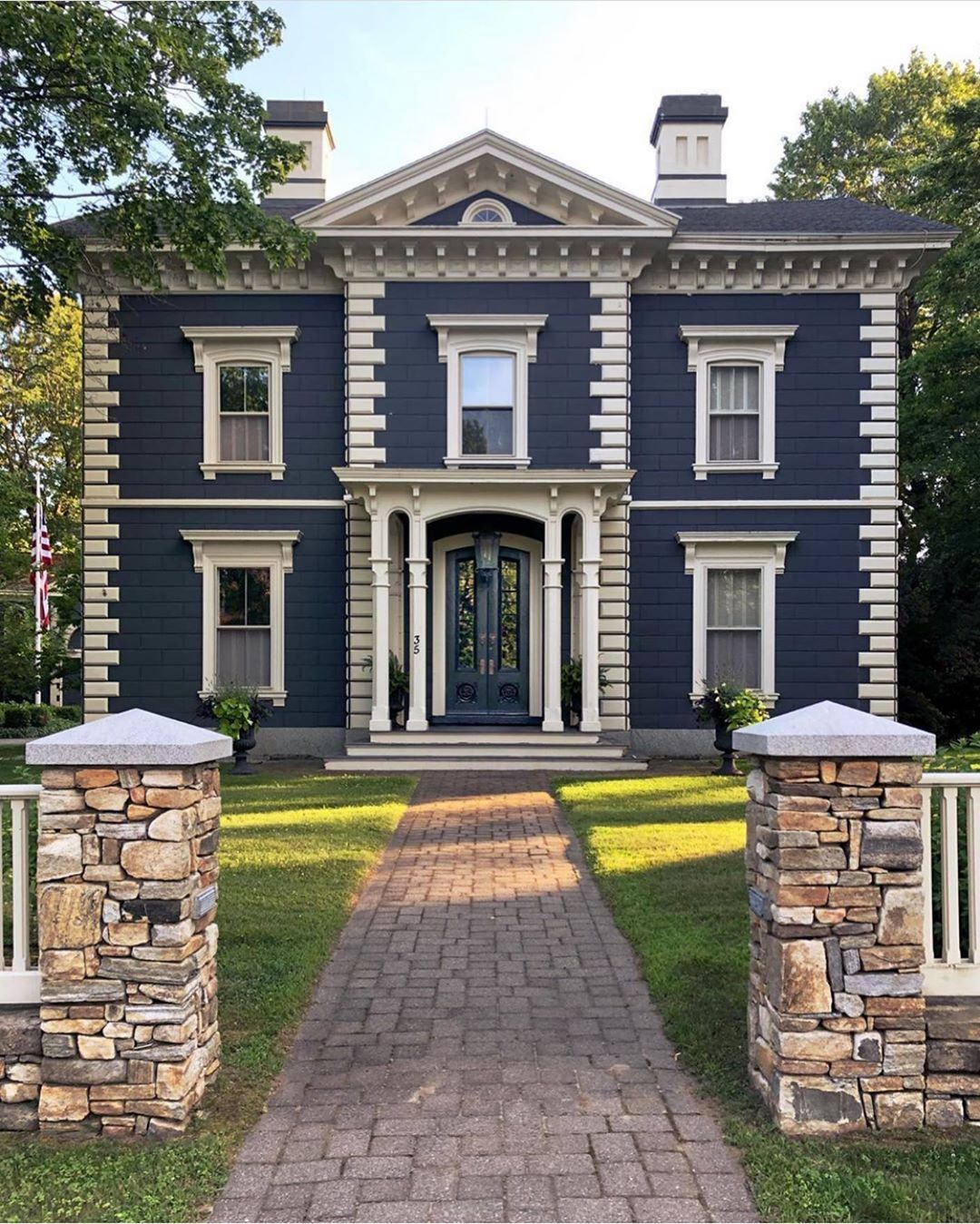 Modern Homeexterior Design Ideas: Kennebunkport Charm . @_madickey_ (With Images