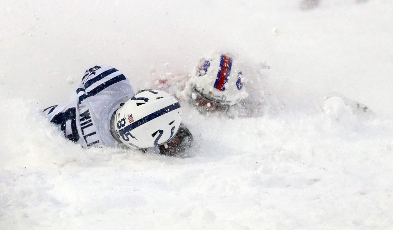 Buffalo Bills Vs Indianapolis Colts On Sunday 12 10 2017 Bills Win In Double Overtime In A Snow Storm Colts Football Buffalo Bills Bills
