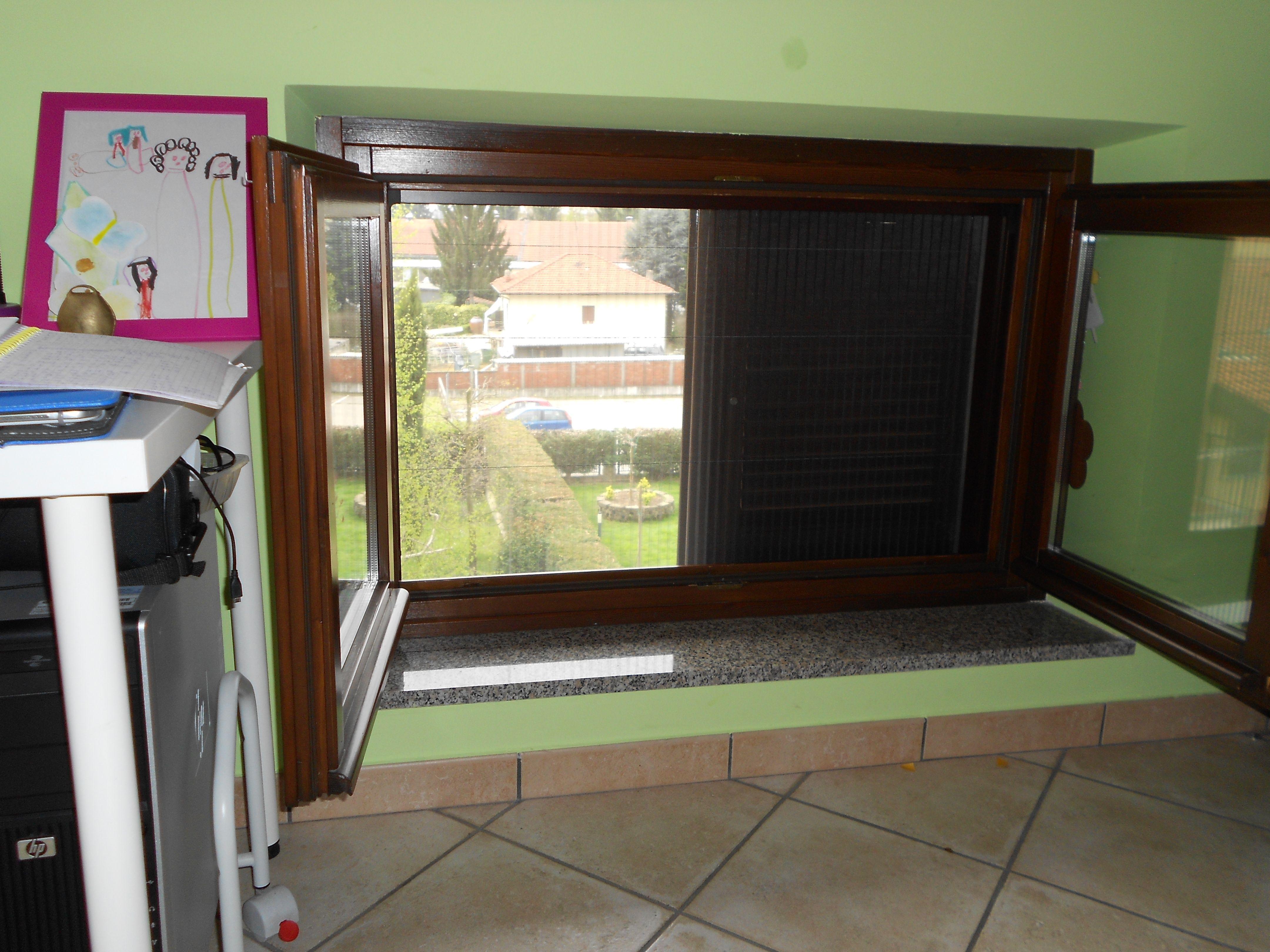 Zanzariera plissettata per finestra con rete in poliestere