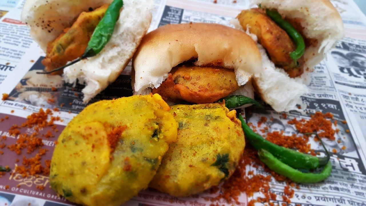 Vada pav authentic street style recipe mumbai street food vada pav authentic street style recipe mumbai street food indian street food forumfinder Gallery