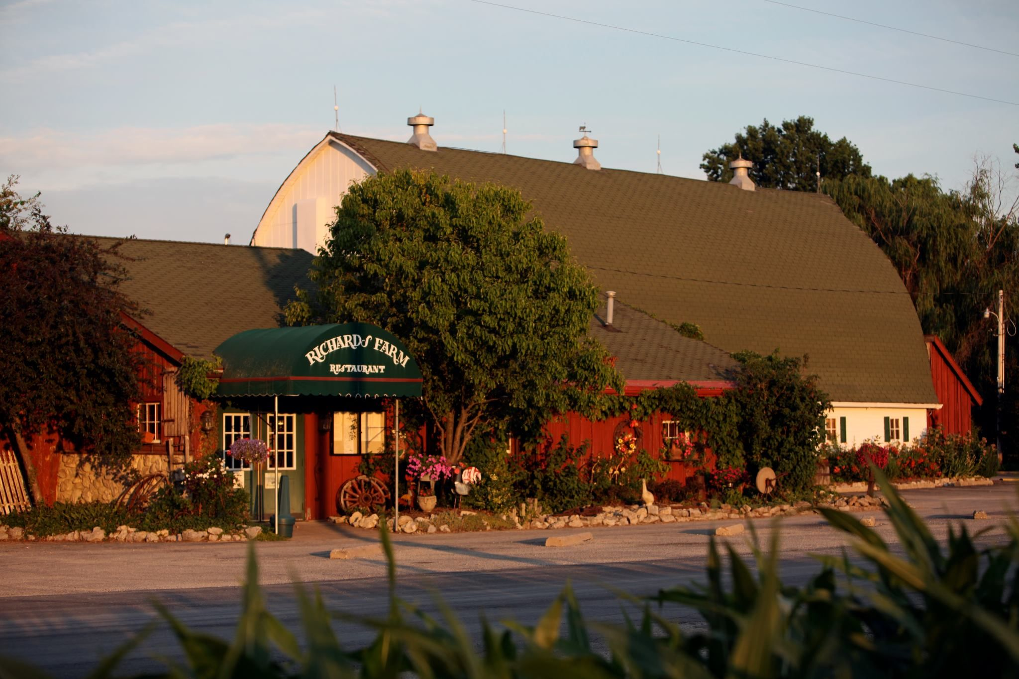 10 Countryside Restaurants In Illinois That Are Almost Too
