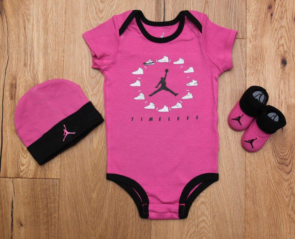 Air Jordan Baby Boys Infant Set Bodysuit Romper Bib Booties 3 Pc Gift Set 6-12M