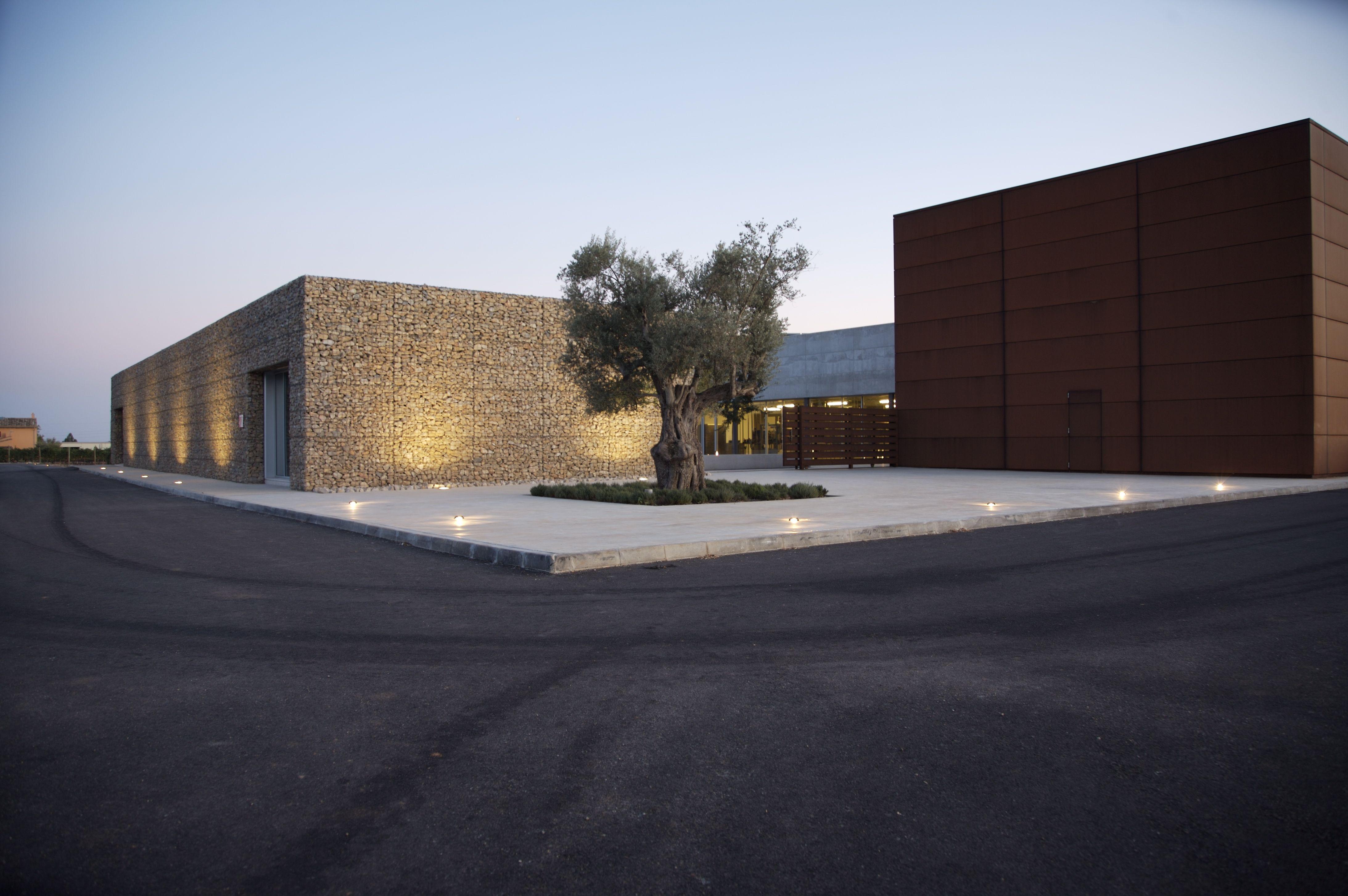 Ideas de edificios de exterior bodega estilo - Bodegas modernas ...