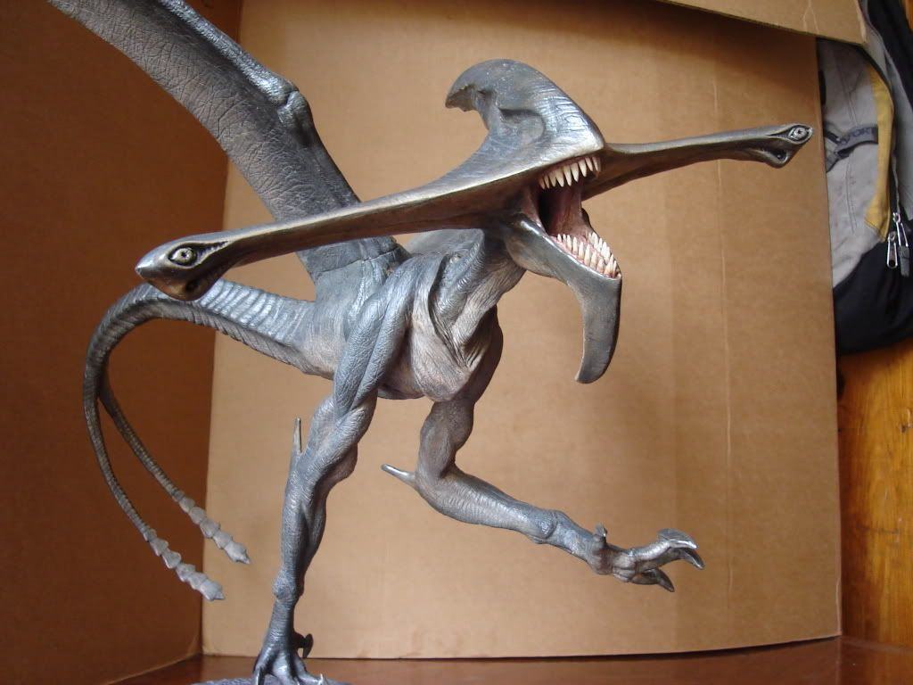 Pitch Black Bioraptor | next to the alien and the predator ...