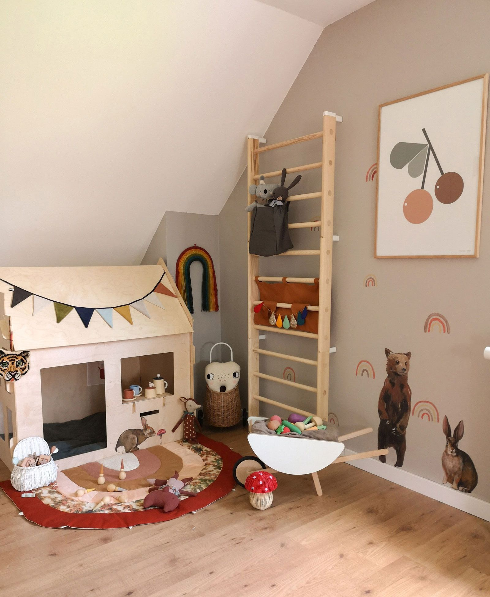 Roomtour Lex S Incredibly Playful And Inviting Boy S Room Kids Interiors Children Room Boy Kids Interior Minimalist Kids Room