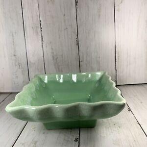 Best Square Usa 601 Pottery Vase Jade Green White Drip Edge 400 x 300