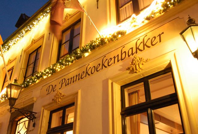 De Pannekoekenbakker - Bogenstraat 2, Thorn, Limburg 6017 AV - Play area for the kids - great menu. Check out their website for more details.