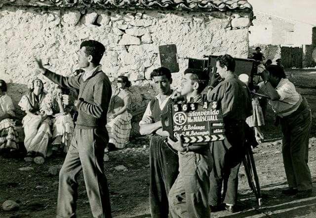 """Rodando clásicos. El maestro Berlanga dirigiendo """"Bienvenido Mr. Marshall"""" (1953)"""