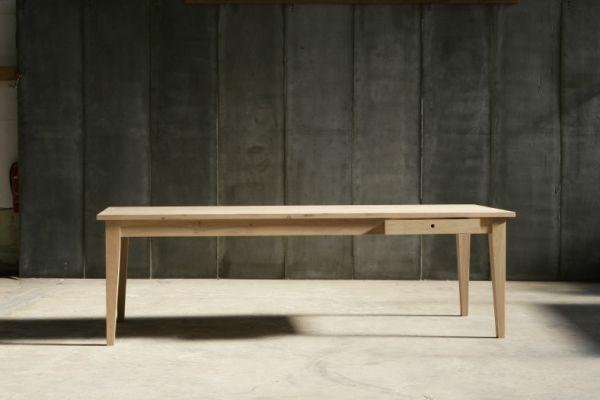 Farmer table in French oak by Heerenhuis