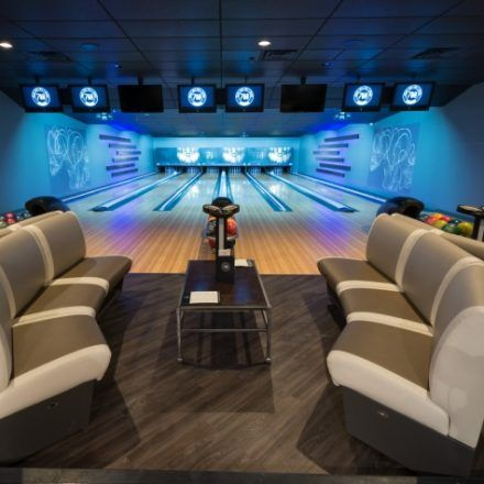 710 Bowling Alleys Take A Compeion With Your