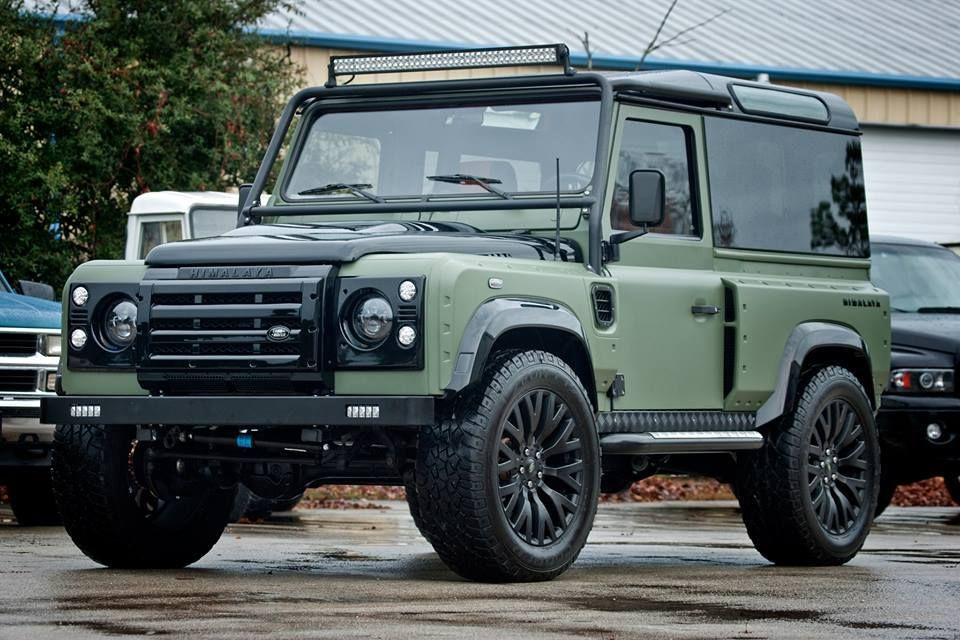 himalaya defender 90 notice the rear window panel besides other amazing add ons defender. Black Bedroom Furniture Sets. Home Design Ideas